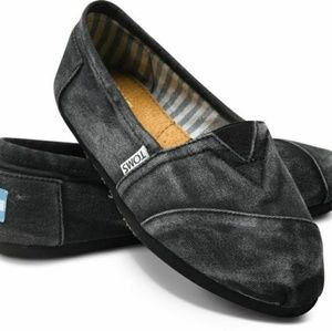 TOMS SHOES IN BLACK STONE WASHED TWILL